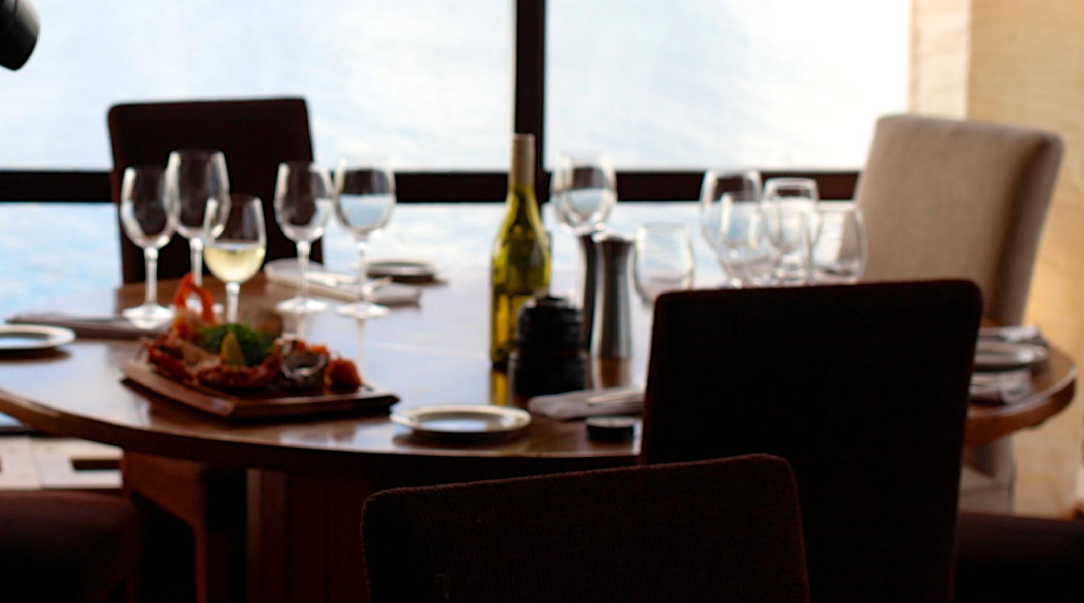food-restaurant-camera-taki